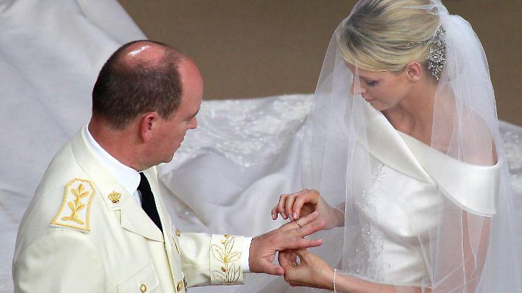Kirchliche Hochzeit In Monaco Albert Und Charlene Vereint N Tv De