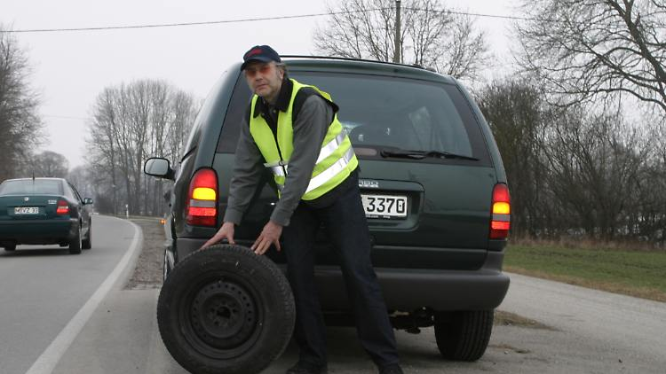 ReifenpanneADAC280711.jpg