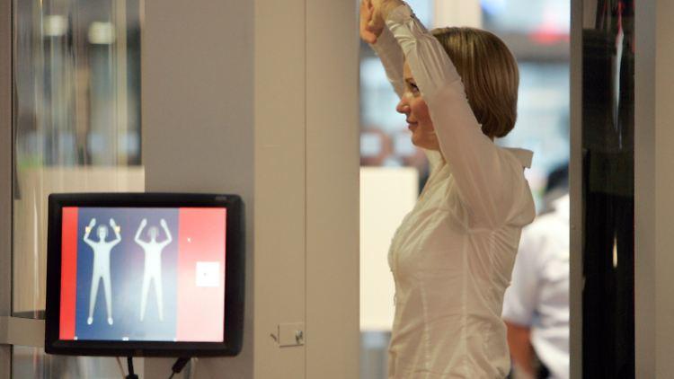 Regierung Entscheidet Nach Testphase Passagiere Loben Körperscanner