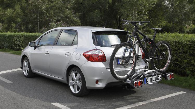 Fahrrad_ToyotaAuris010811.jpg