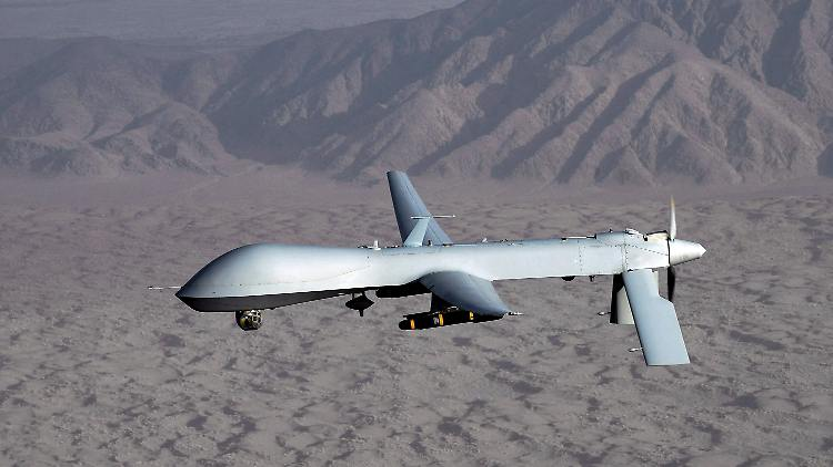 Tödliches Surren hoch am Himmel: Eine Drohne vom Typ