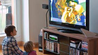 Mittlerweile hat jeder dritte verkaufte Fernseher Zugang zum Internet. (Bild: dpa)