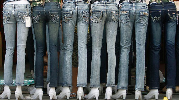 jeans aufgereiht.jpg