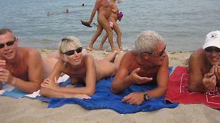 Nudistenkolonie_nackt_strand.jpg