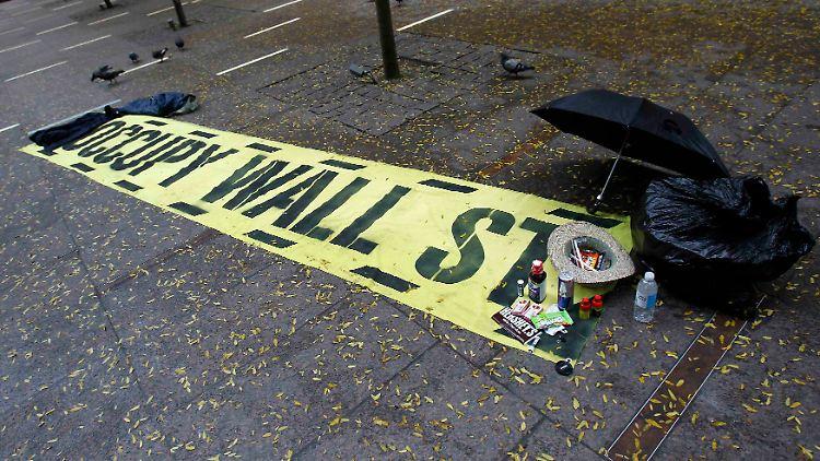 2011-11-16T145522Z_01_SHN607_RTRMDNP_3_USA-PROTESTS-NEWYORK.JPG3829843515238189188.jpg