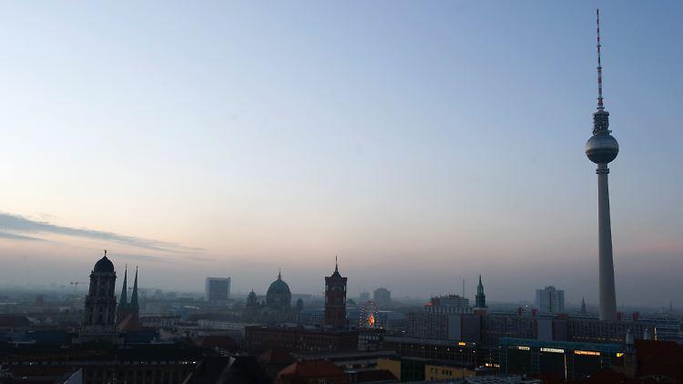 Vorwärts In Die Vergangenheit Berliner Fernsehturm Wird Retro N Tvde