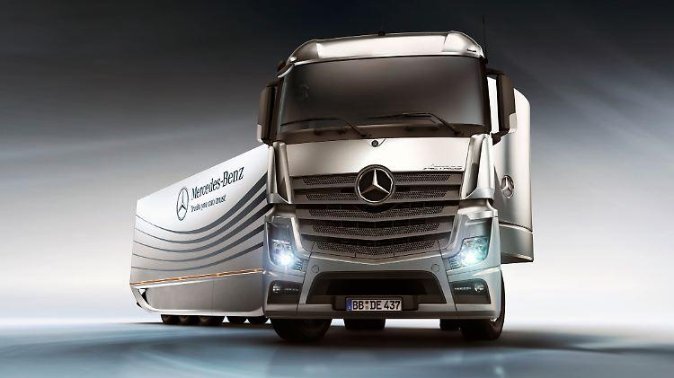 MercedesAeroTrailer25111101.jpg