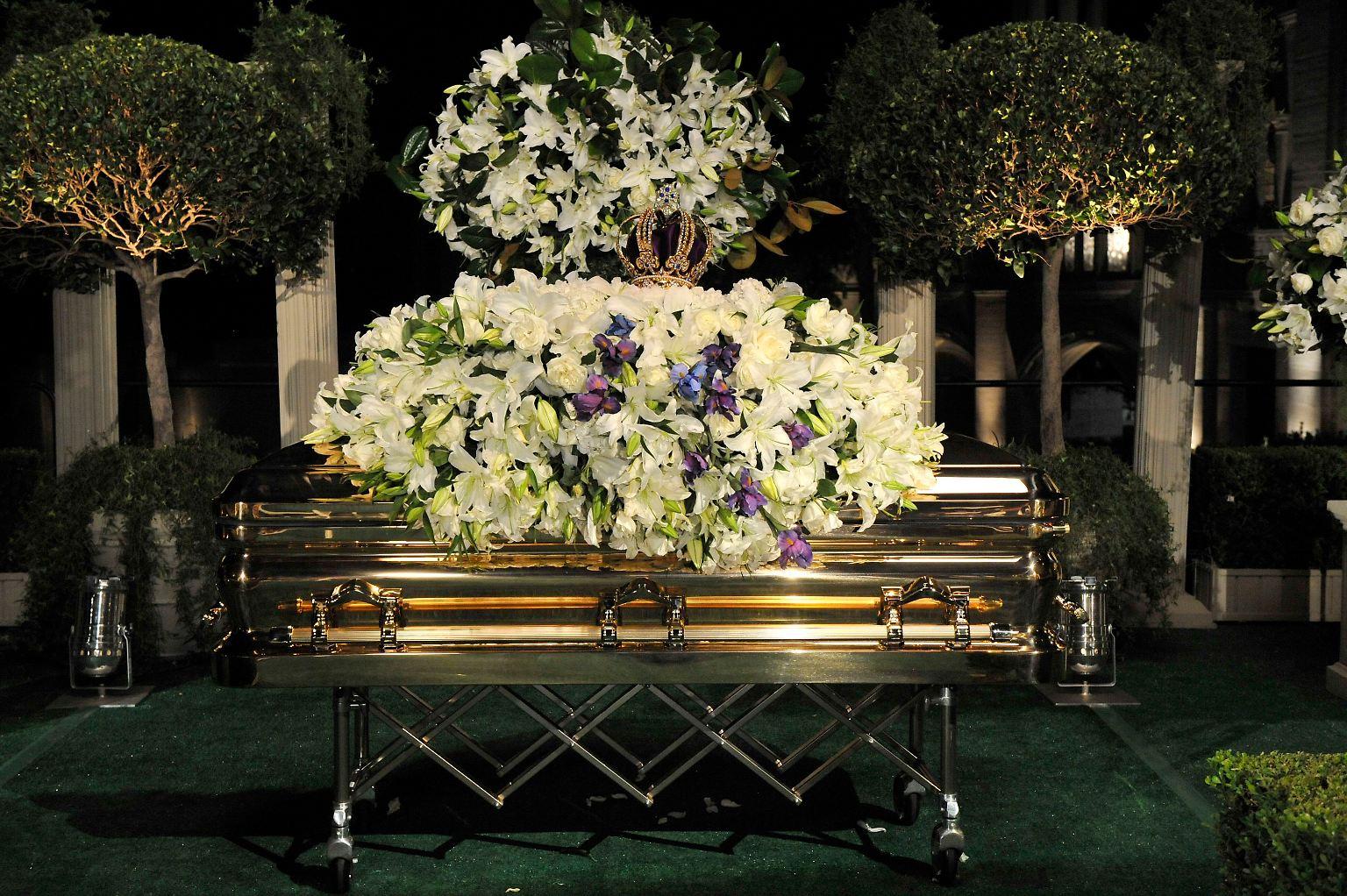 Michael_Jackson_Funeral_NY121.jpg1983473478084451413.jpg