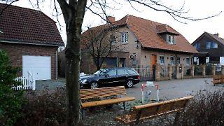 2011-12-18T151256Z_01_FBI02_RTRMDNP_3_GERMANY-PRESIDENT.JPG6811855780085598983.jpg