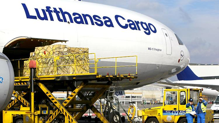 lufthansa_cargo.jpg