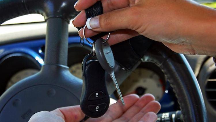 Vorher klären: Wer vorübergehend am Carsharing teilnimmt, fragt besser nach dem Erhalt des Schadenfreiheitsrabatts. (Bild: BdV/dpa/tmn)