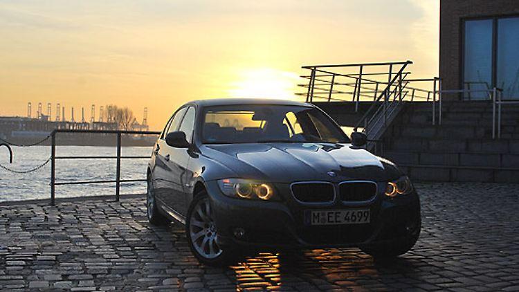 Der 3er ist das meistverkaufte Auto aus dem Hause BMW. Das Mittelklasse-Modell wurde im vergangenen Jahr aufgefrischt. Mit 87.302 zugelassenen Einheiten stellt er mehr als 30 Prozent des BMW-Absatzes.