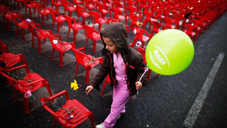 2012-04-06T144631Z_01_DAD010_RTRMDNP_3_BOSNIA-WAR.JPG2624738085094866198.jpg