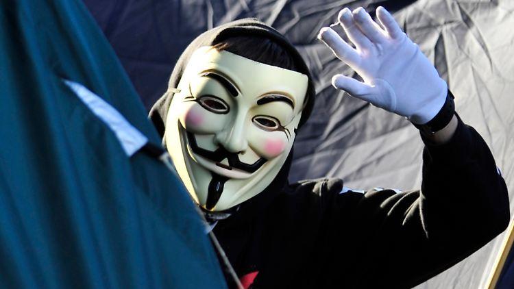 Anonymus lässt grüßen: Die Hacker-Gruppe hat sich im Kurznachrichtendienst Twitter zu dem Angriff auf das britische Innenministerium bekannt.
