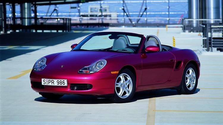 Der Porsche Boxster landet in der Pannenstatistik des ADAC nur im Mittelfeld. Bei der Hauptuntersuchung schneidet der Roadster immerhin besser ab als der Porsche 911. Foto: Porsche