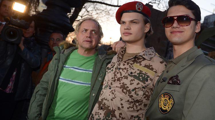 Nach Film über Bundeswehr Einsatz Soldaten Drohen Ochsenknecht N