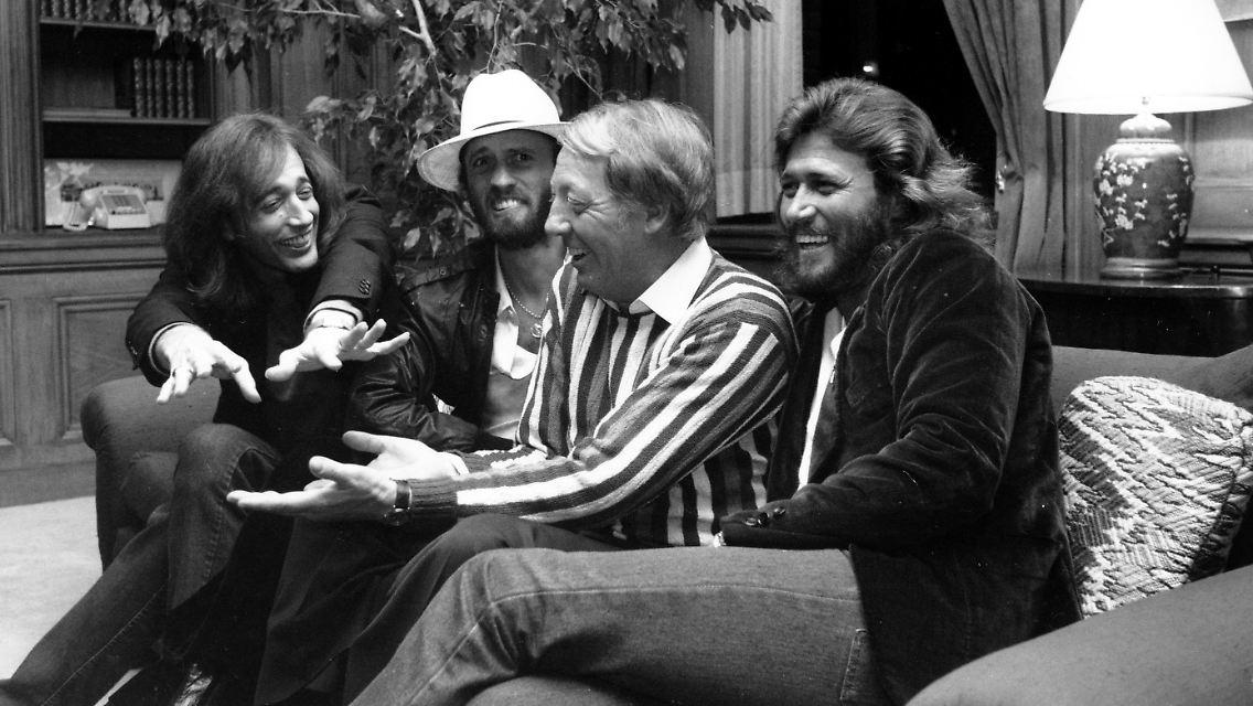 Barry Gibb Vermisst Seine Brüder Letzem Bee Gee Fehlt Teil Seiner