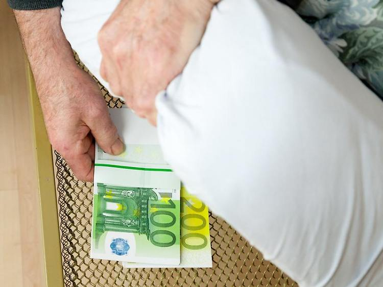 Vollmachten Helfen Demenzkranken Geldgeschäfte Rechtzeitig Regeln