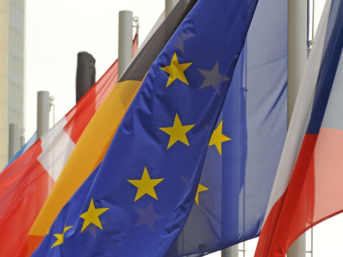 Reformwerk Für Die Eu Lissabon Vertrag Tritt In Kraft N Tvde
