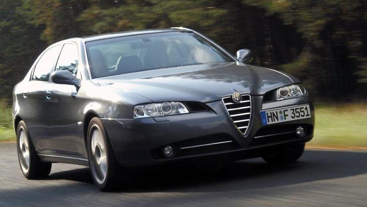 Interessenten eines gebrauchten Alfa Romeo 166 sollten vor dem Kauf einen Blick in die Pannenstatistik werfen. (Bild: Alfa Romeo/dpa/tmn)
