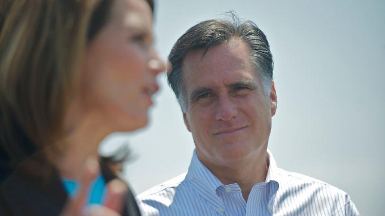 Erst böse Worte, dann heile Welt: Romney und Bachmann beim gemeinsamen Wahlkampf.