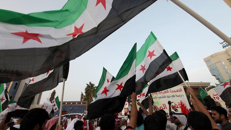 2012-05-27T171333Z_01_BAH07D_RTRMDNP_3_BAHRAIN-PROTEST.JPG904515574178665318.jpg