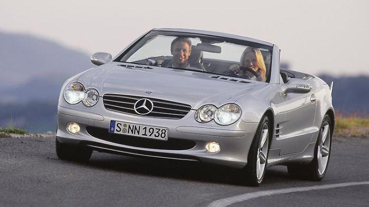 Der Mercedes SLmacht seinen Besitzern laut dem ADACkaum Ärger. Das Bild zeigt die zwischen 2001 und Anfang 2012 angebotene fünfte Baureihe R 230.  Foto: Daimler