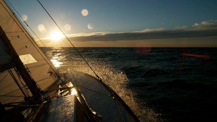 Eine Handbreit Wasser Unterm Kiel Lied