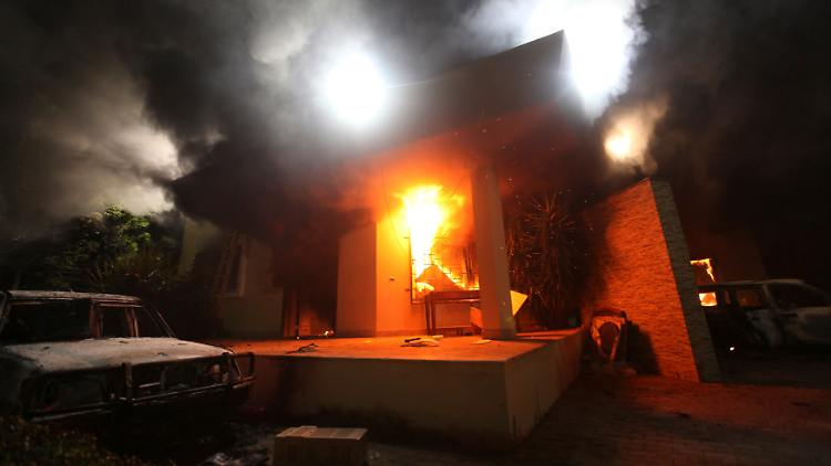 2012-09-12T004406Z_01_EF13_RTRMDNP_3_LIBYA-US-EMBASSY-DEATH.JPG6693619840199679363.jpg