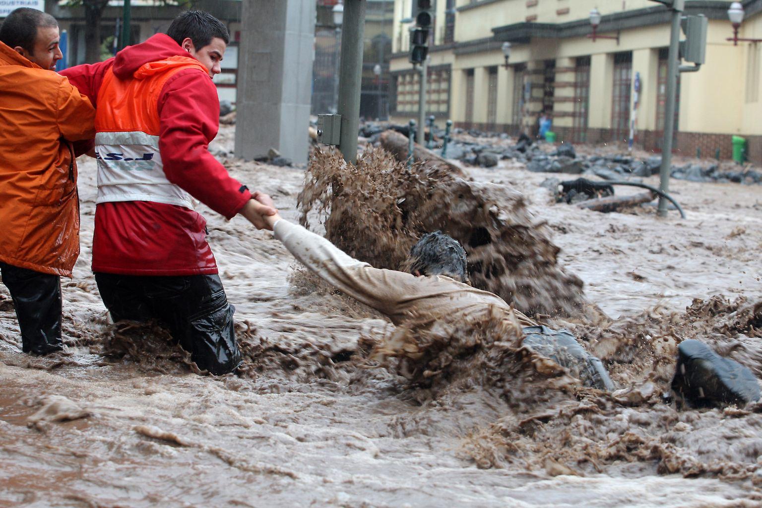 Portugal_Madeira_Floods_XAF108.jpg4677616476354316156.jpg
