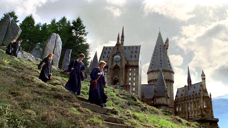 Unfall Am Harry Potter Set Hogwarts Steht In Flammen N Tv De