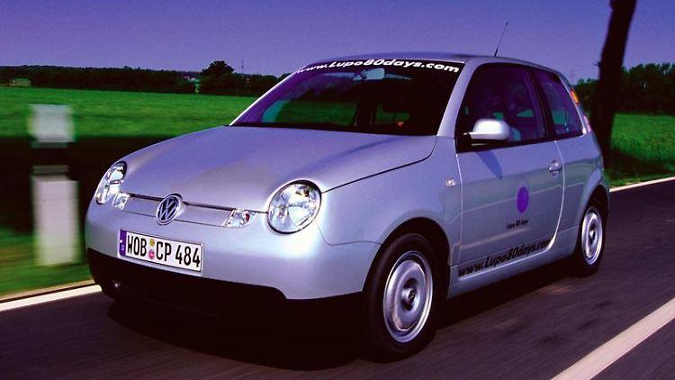 Außen ist er kurz, im Innenraum bietet er aber vergleichsweise viel Platz: der Lupo von Vokswagen. (Bild: Volkswagen/dpa/tmn)