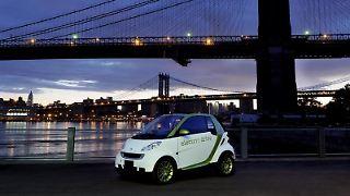 Insgesamt 1500 Smarts mit Elektroantrieb will Daimler bis Ende 2011 produzieren - 500 Exemplare mehr als ursprünglich geplant. (Bild: Daimler/dpa/tmn)
