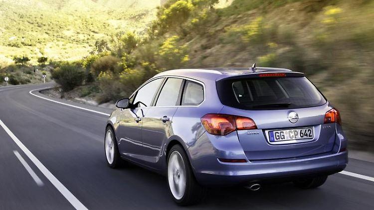 Zuwachs in der Astra-Familie:Opel bringt den Kompaktwagen im November als Kombi in den Handel. (Bild: Opel/dpa/tmn)