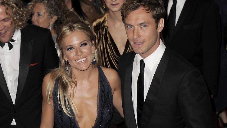 Sienna Miller und Jude Law scheinen Nägel mit Köpfen machen zu wollen.