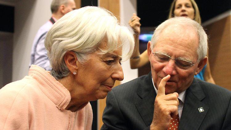 IWF-Chefin Lagarde und Bundesfinanzminister Schäuble in angeregter Diskussion: