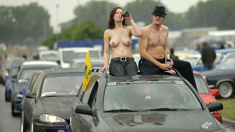 Jessi Sommer interracial schnelle Autos nackte Frauen
